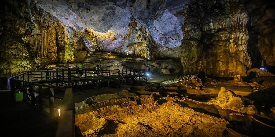 Bạn nên đến Quảng Bình du lịch, sẽ hối tiếc nếu bạn chưa đến động Thiên Đường Quảng Bình