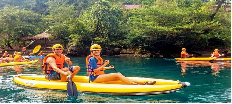 Chèo thuyền Kayak Sông Chày hang Tối