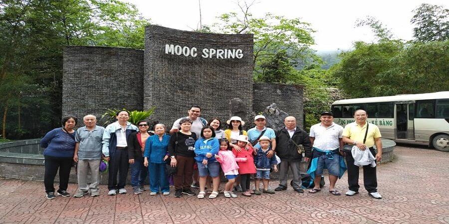 Du khách Tour du lịch Sài Gòn Quảng Bình 3 ngày