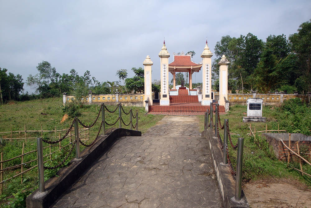 Lăng mộ thành hầu Nguyễn Hữu Cảnh