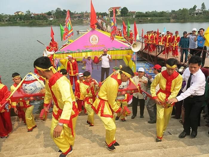 Lễ hội chùa Hoằng Phúc