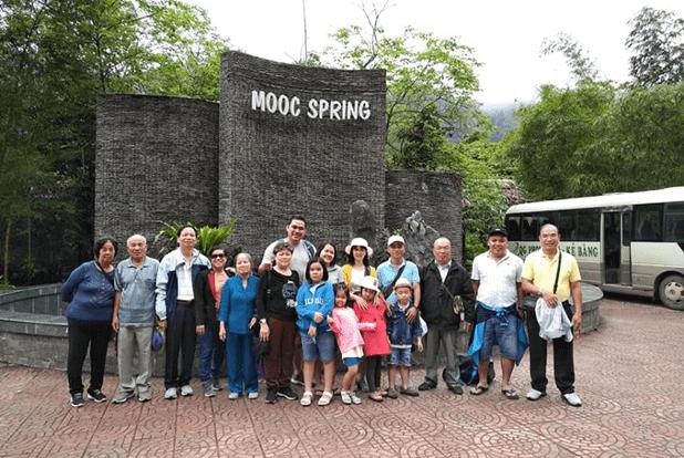 Suối nước Moọc, điểm đến du lịch Quảng Bình