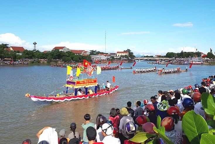 Lễ hội đua thuyền truyền thống Lệ Thủy